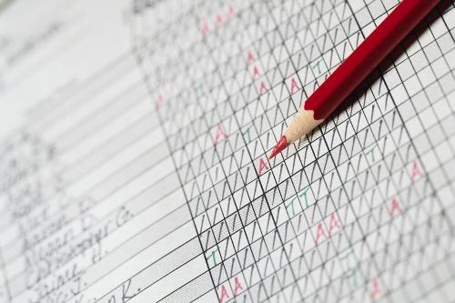 tracking attendance helps teachers to monitor student progress